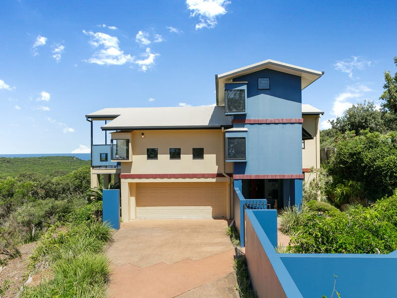 7 Baker Court, Point Lookout, Qld 4183