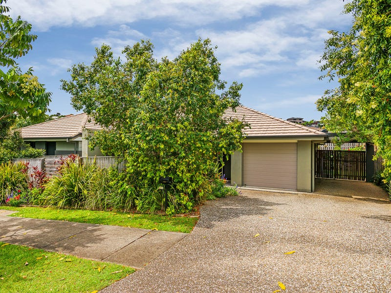 2/13 Hawkesbury Avenue, Pacific Pines, Qld 4211