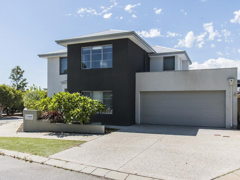 11 The Grandstand, Harrisdale