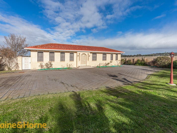325 Reservoir Road, Sunbury