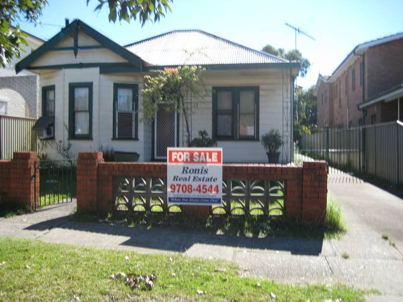 17 CAMBRIDGE AVENUE, Bankstown, NSW 2200