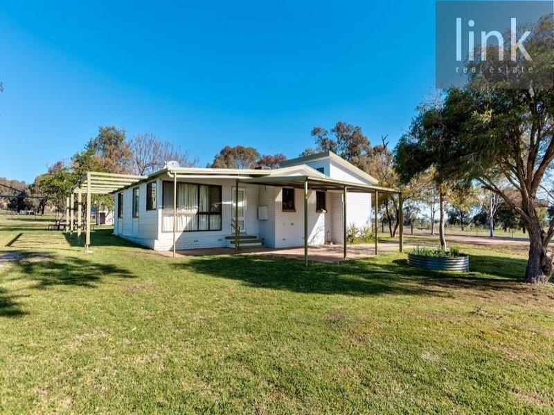 866 Coach Road, Gerogery, NSW 2642