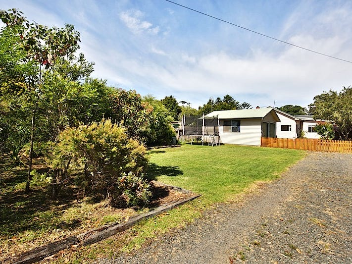 69 Addison Road, Culburra Beach, NSW 2540