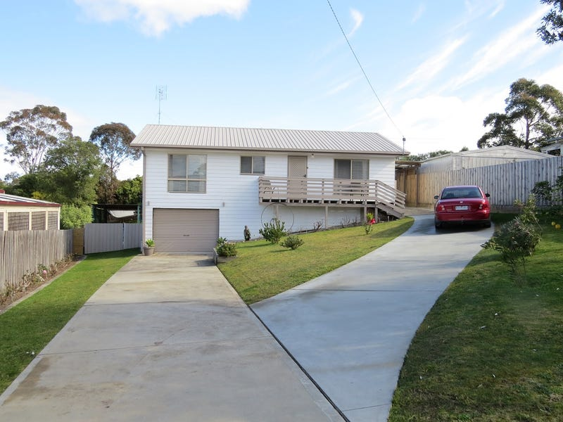 8 Alexandra Ave, Lakes Entrance
