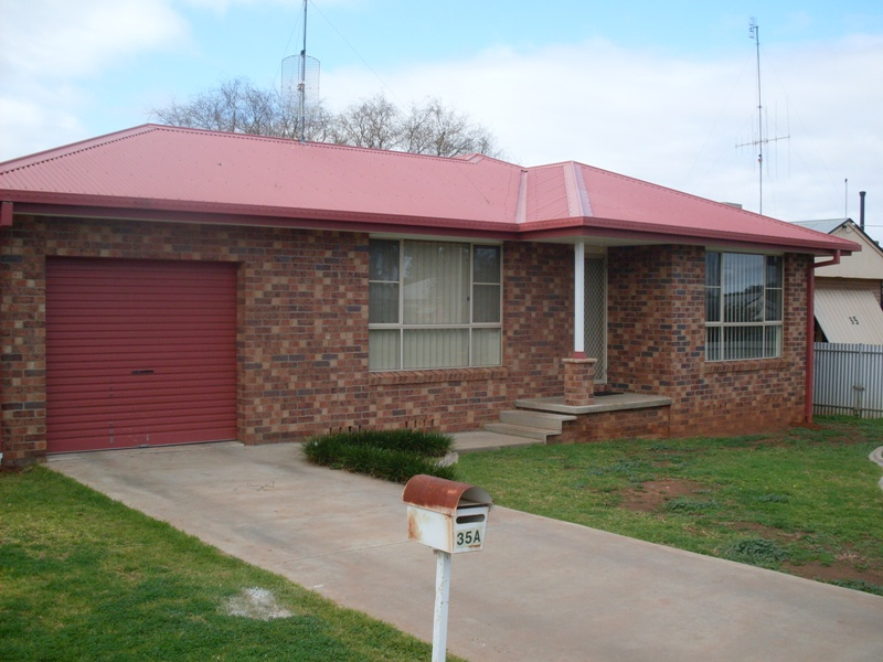 35a Thornbury Street, Parkes, NSW 2870