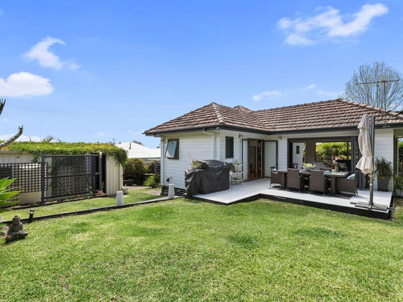 6 Vaucluse Street, Wavell Heights, Qld 4012