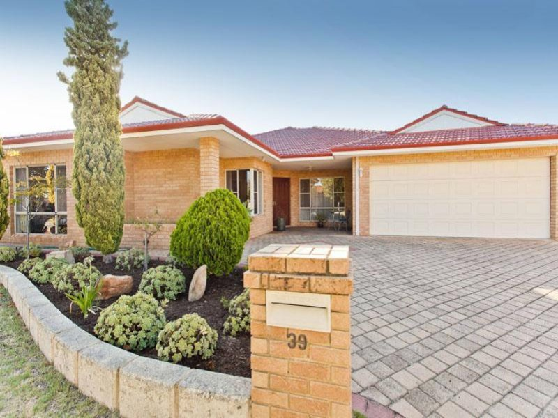 39 southacre drive canning vale wa 6155 property details for E kitchens canning vale