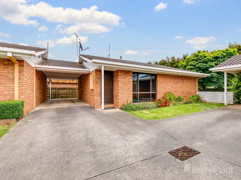 2/16 Cambridge Drive, Warragul, Vic 3820