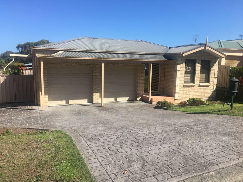 6 Roanoke Drive, Lake Munmorah, NSW 2259