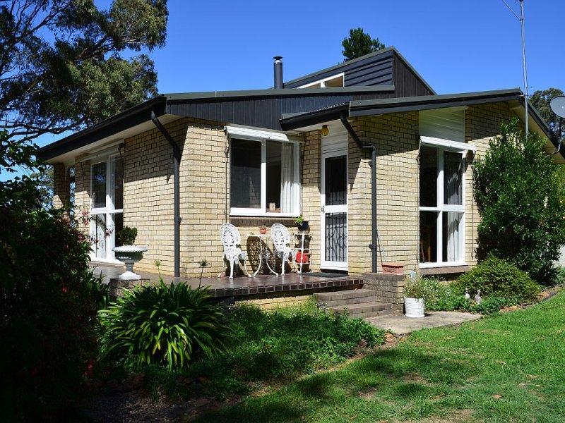84 Newbury Drive, Penrose, NSW 2579