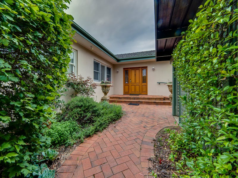 32 Ferdinand Place, Campbell