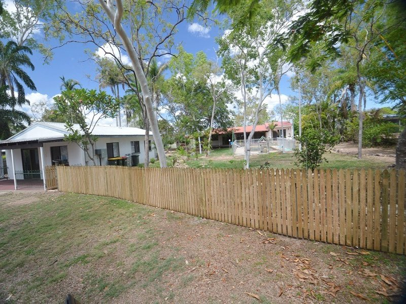194 Mt Low Parkway, Mount Low, Qld 4818