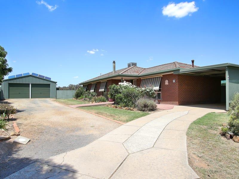 6 Campbell Court, Burrumbuttock, NSW 2642