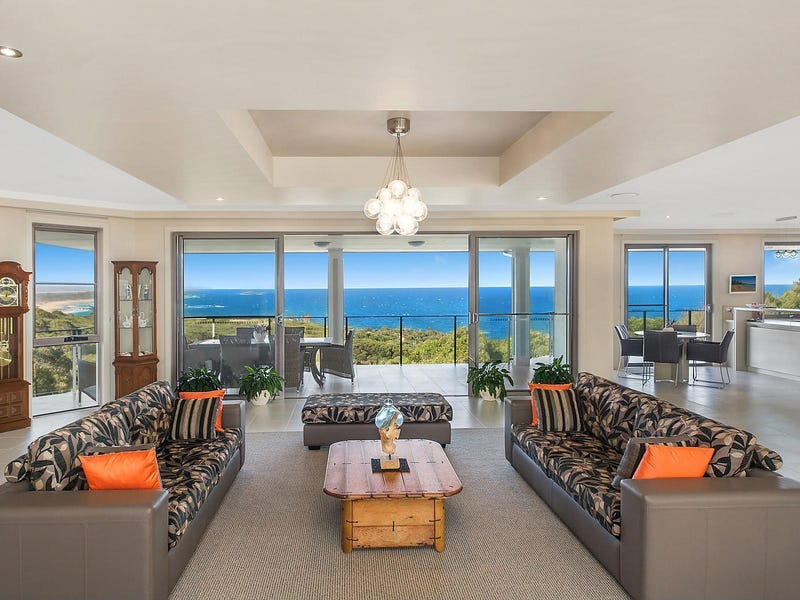 """Vantage Point"", 7 Seacliff Place, Caves Beach, NSW 2281"