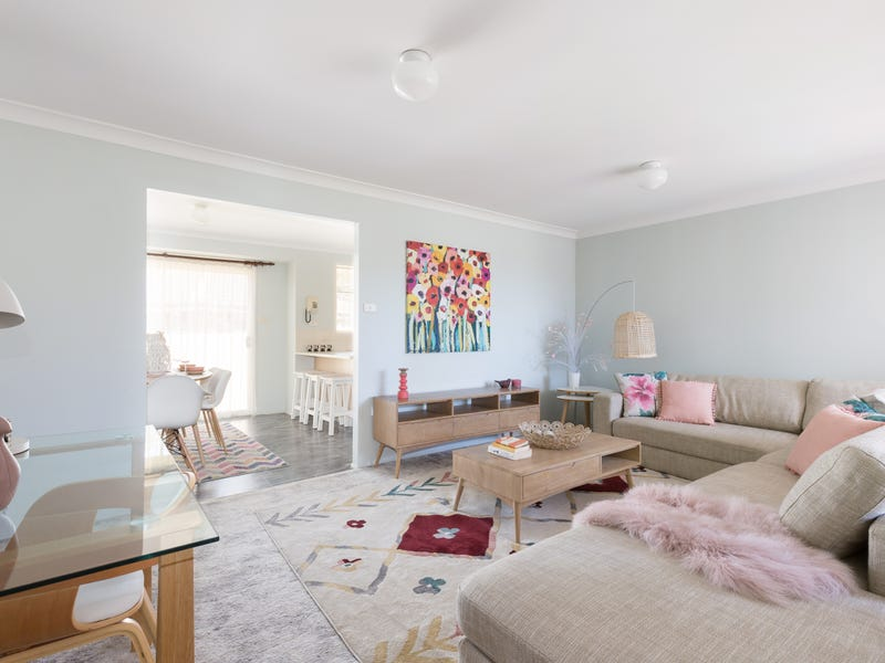 8 Bushlark Place, Claremont Meadows, NSW 2747