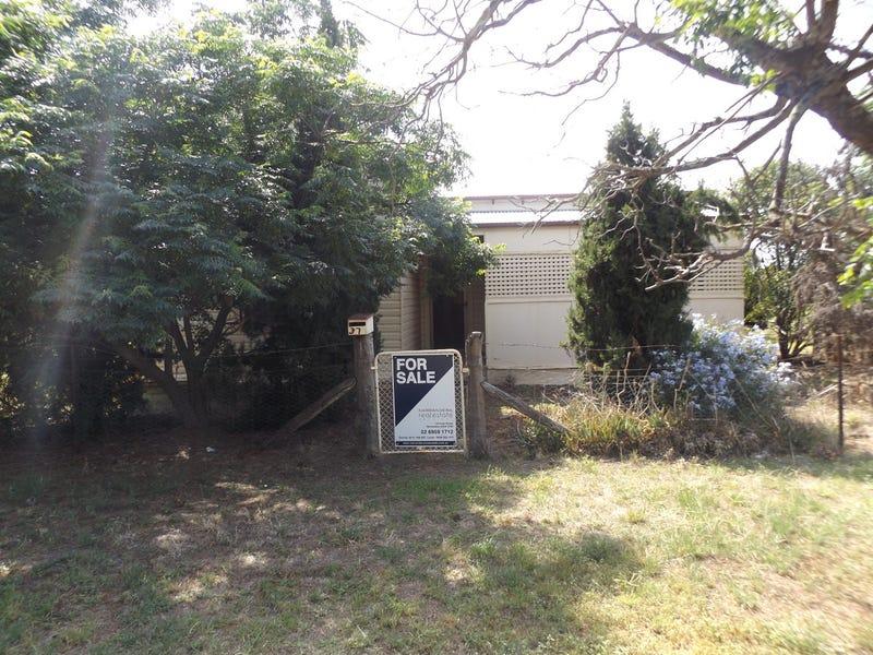 37 Hall Street, Ganmain, NSW 2702