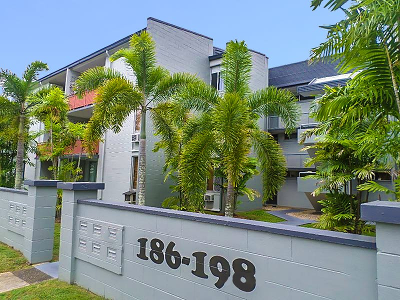 15/186 Lake Street, Cairns North, Qld 4870