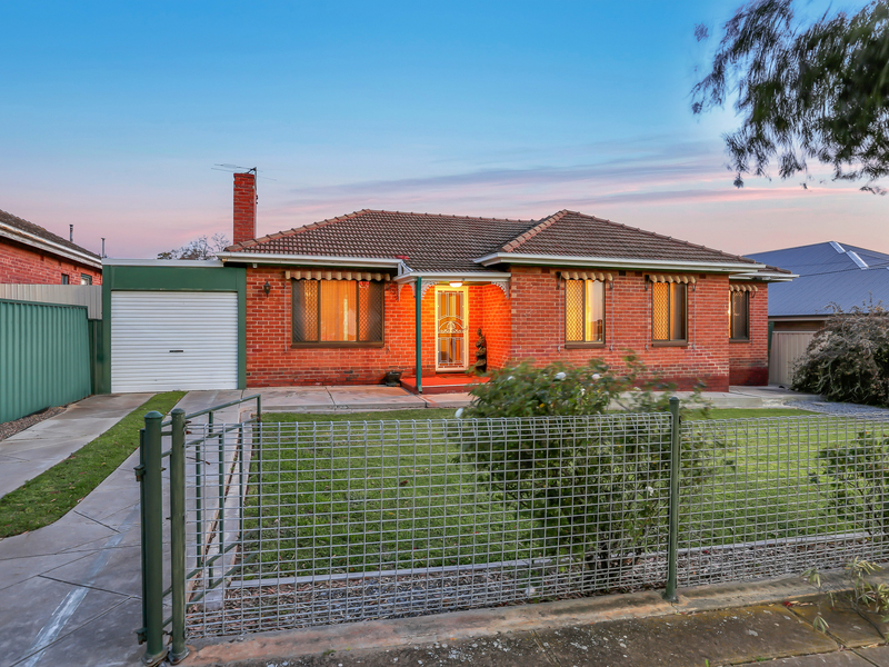 15 Chester Avenue, Clearview, SA 5085