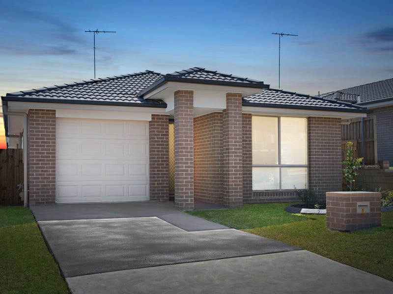 19 Blue View Tce, Glenmore Park, NSW 2745