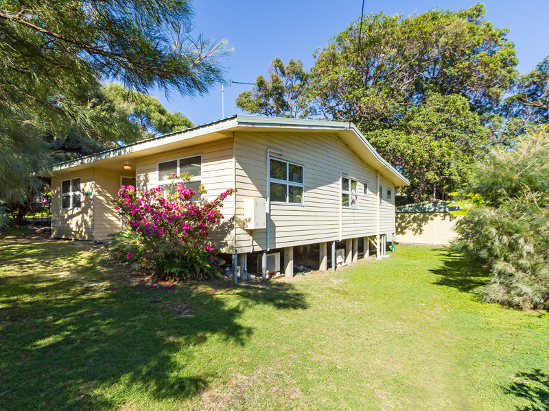 89 Mooloomba Road, Point Lookout, Qld 4183