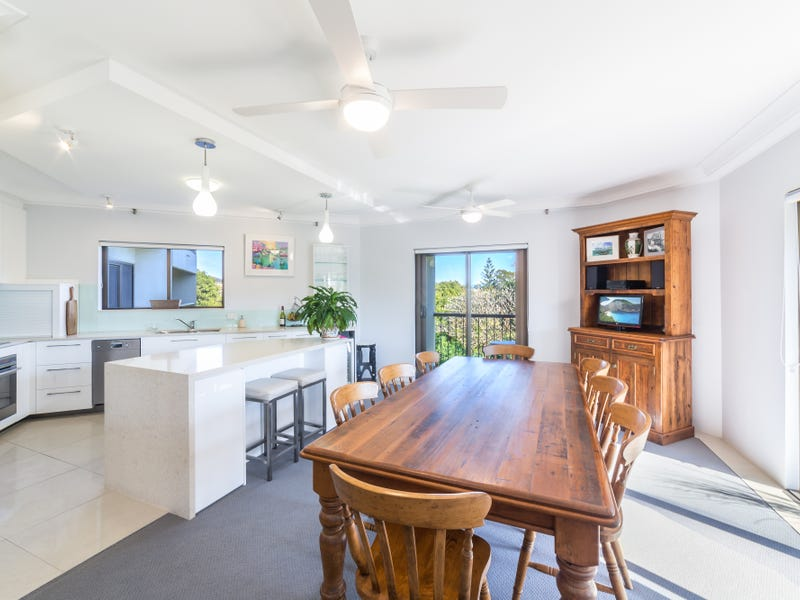 6/8 Admiralty Drive, Paradise Waters, Qld 4217