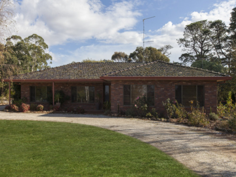 41  Montgomery Street, Lake Bolac, Vic 3351