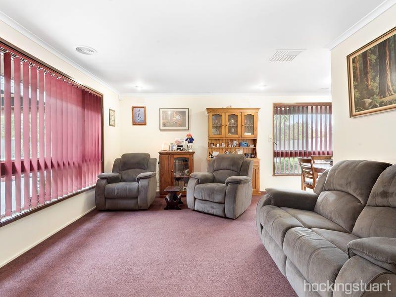 24 Jillian Street, Cranbourne, Vic 3977