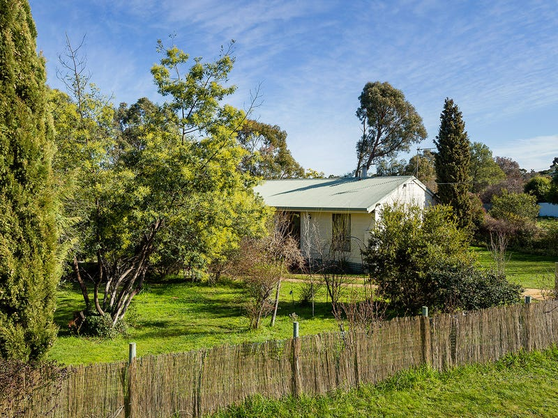 4 Webbs Road, Campbells Creek, Vic 3451