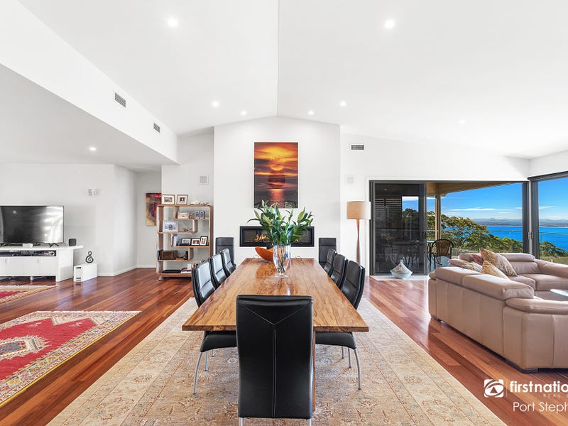 17B Tareebin Road, Nelson Bay, NSW 2315
