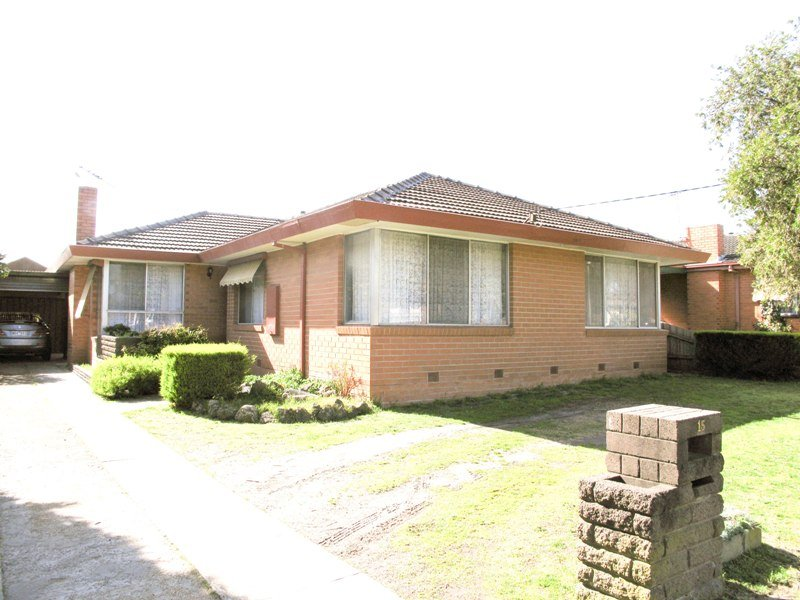 15 Locharn Crescent, Keysborough, Vic 3173