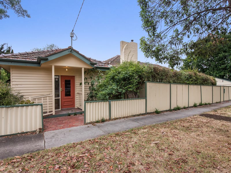 1 Box Hill Crescent, Mont Albert North, Vic 3129