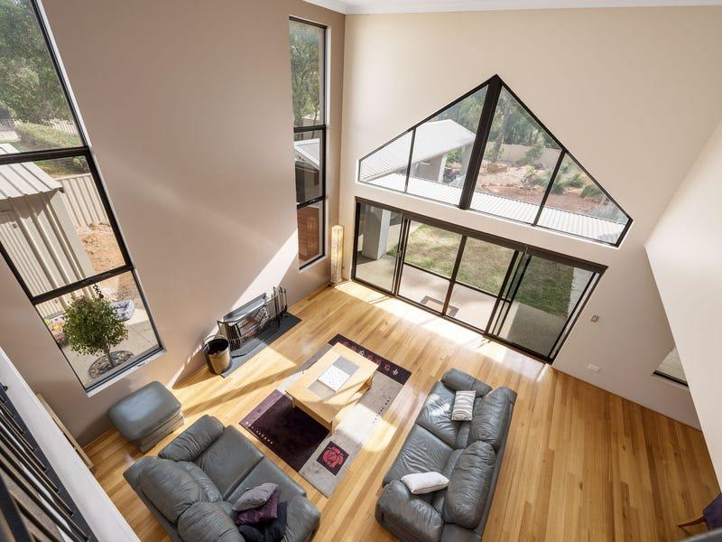 8 Woodview Retreat, Lesmurdie