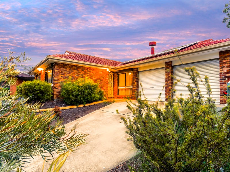 6 Dombey Place, Ambarvale, NSW 2560