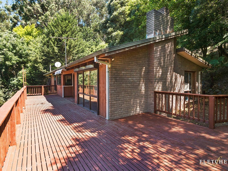 19 Barbers Road, Kalorama, Vic 3766