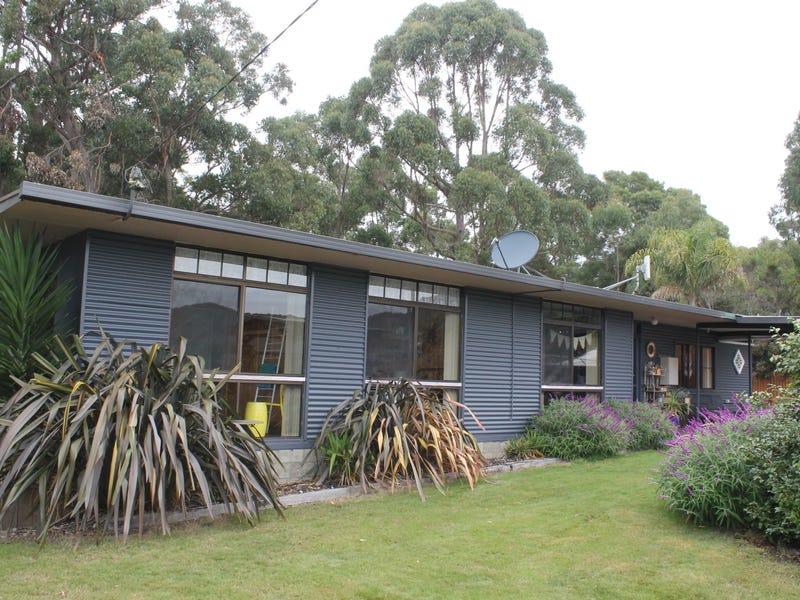 35-37 Banksia Avenue, Sisters Beach, Tas 7321