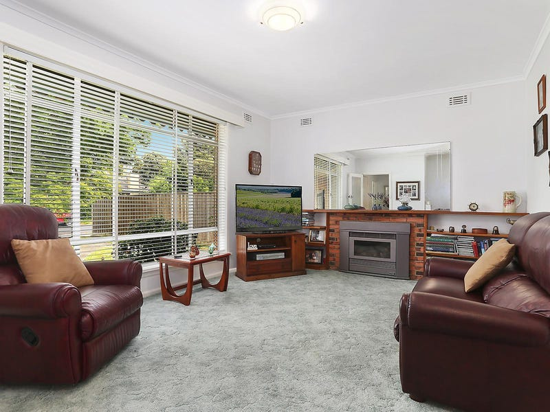 33 Longbrae Avenue, Forest Hill, Vic 3131