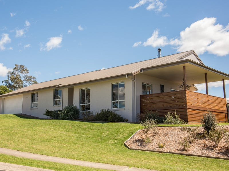 4 Glen Mia Drive, Bega, NSW 2550