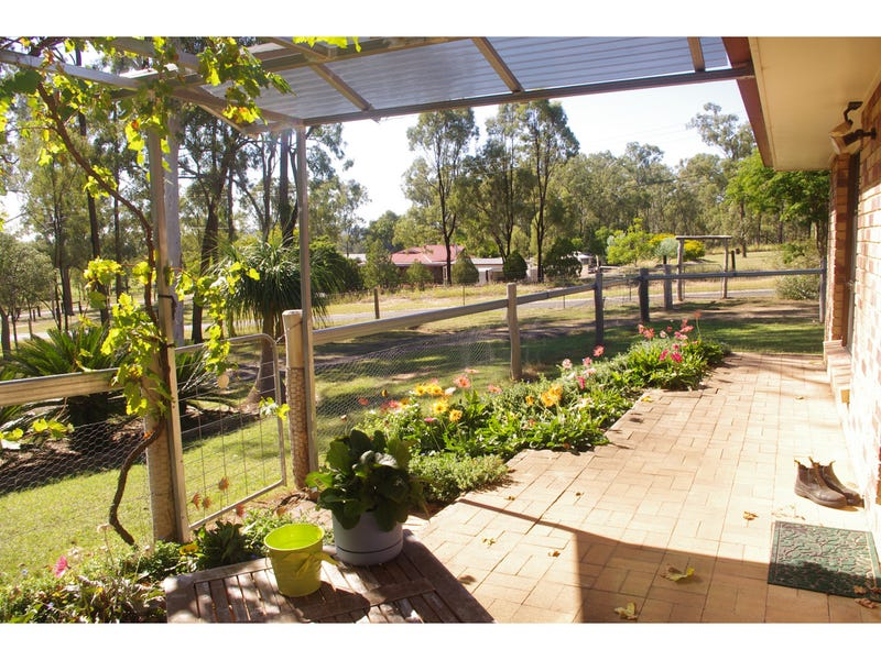 6 Miles Road East, Laidley Heights, Qld 4341