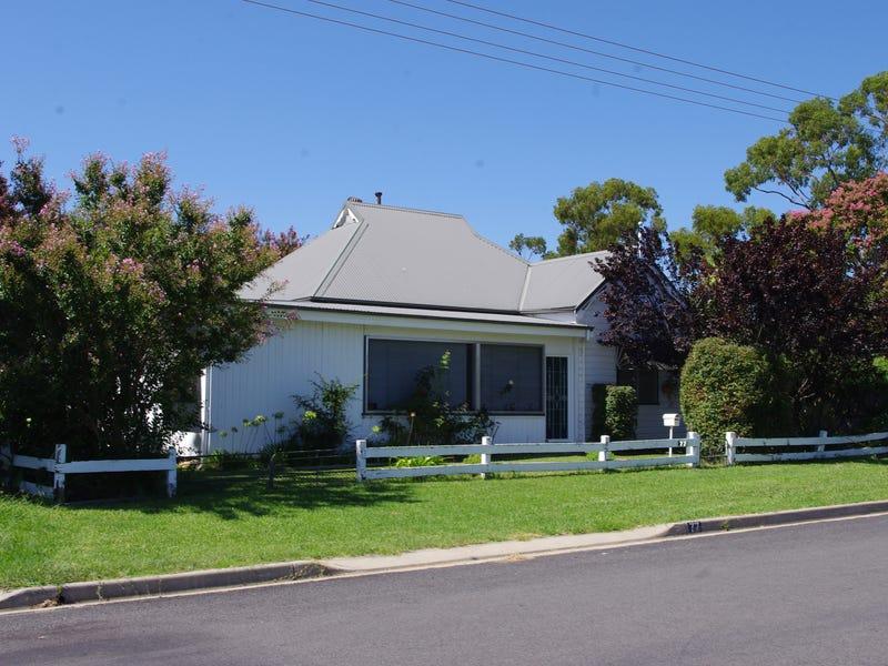 77 Oswald Street, Inverell, NSW 2360