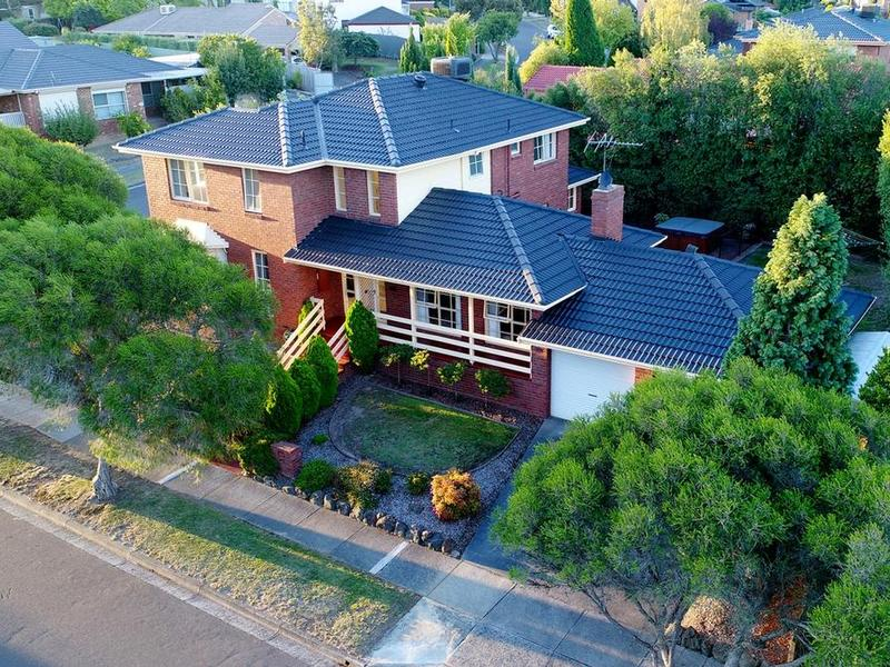 73 Wakley Crescent, Wantirna South, Vic 3152