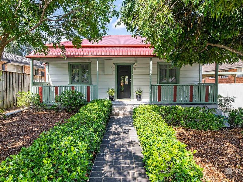 18 Blaxland Avenue, Penrith, NSW 2750