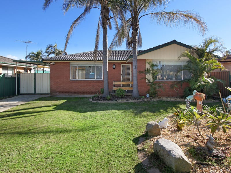30 Medlow Drive, Quakers Hill, NSW 2763