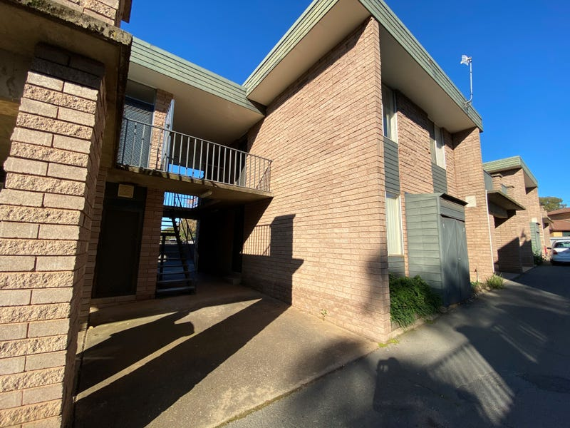 7/1A Joyes Place, Tolland, NSW 2650