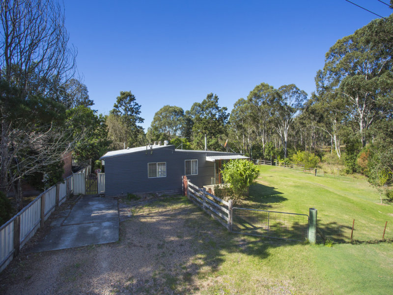 18 Lowe Street, Clarence Town, NSW 2321