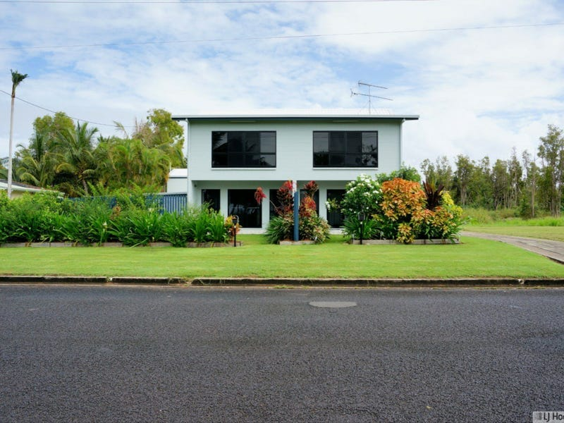 Unit 1-3/117 Taylor Street, Tully Heads, Qld 4854