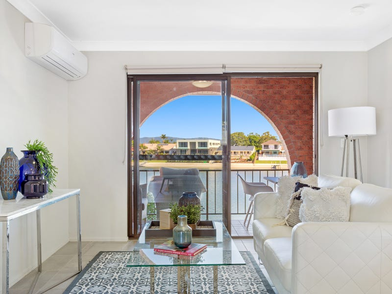 5/10 Aquila Court, Mermaid Waters, Qld 4218