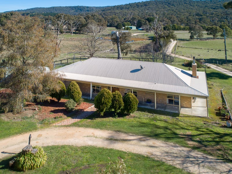 1404 Three Chain Road, Cobaw, Vic 3442