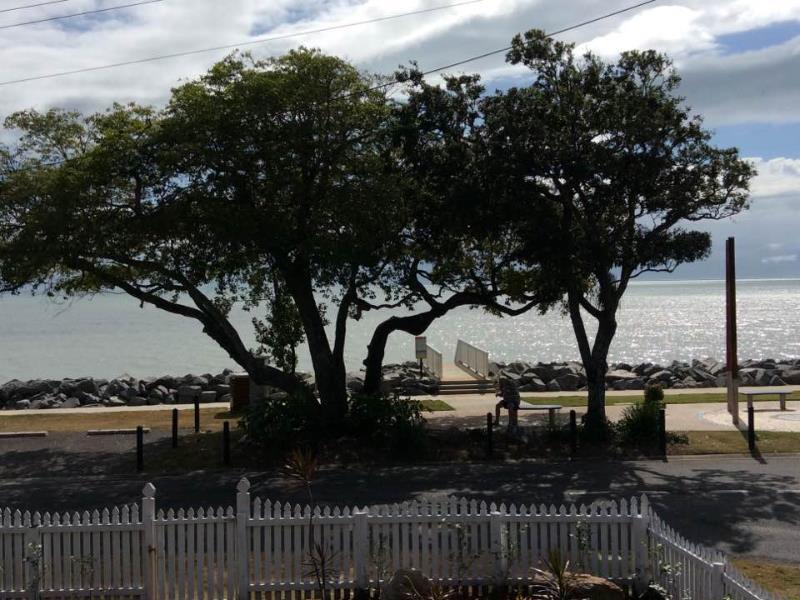 171 Oshea Esplanade, Machans Beach, Qld 4878