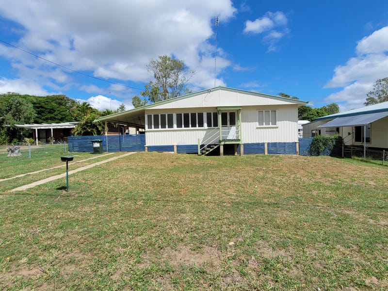 17 Shirley St, Moura, Qld 4718