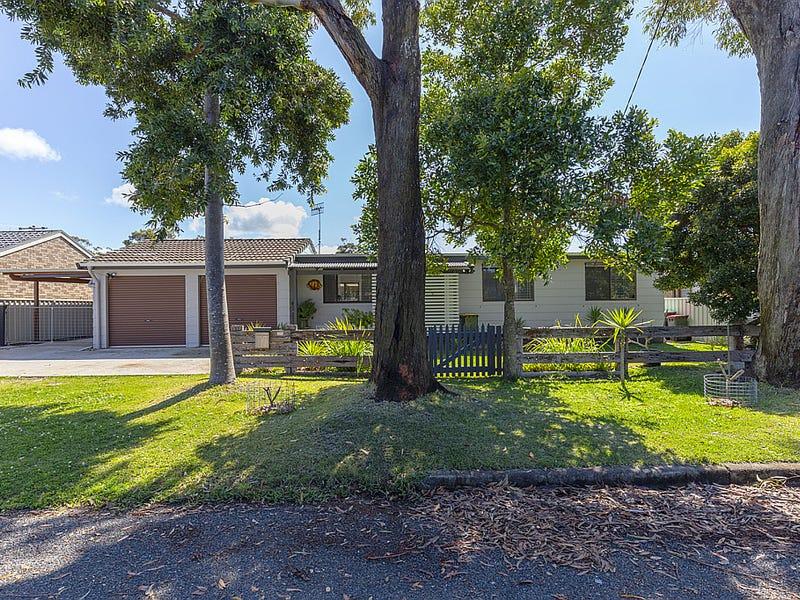 17 Carramar Crescent, Hawks Nest, NSW 2324
